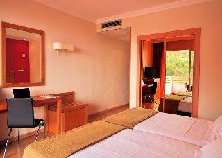 hotel kris maya: