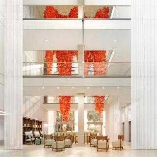 http://www.hotelbeds.com/giata/00/000651/000651a_hb_a_001.jpg