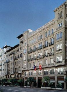Hotel Catalonia Gaudi