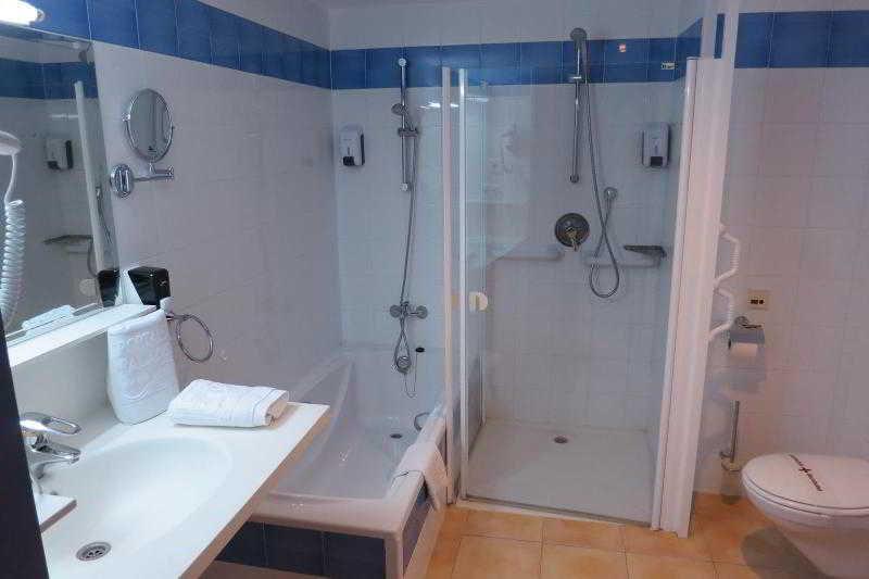 Hotel portals palace en portals nou - Habitacion en roma torrent ...