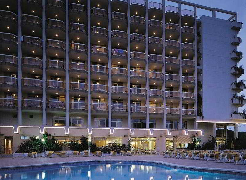hotel en blanes: