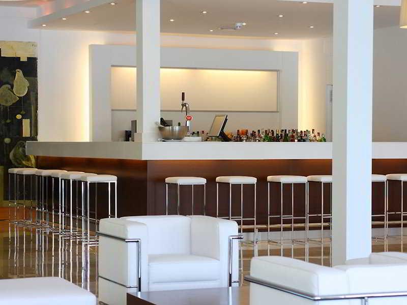 Las Gaviotas Suite Hotel