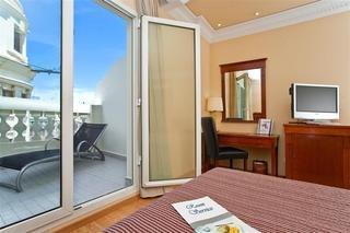40 flats apartments valencia
