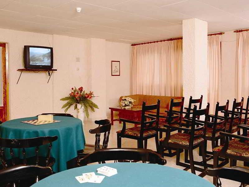 http://www.hotelbeds.com/giata/00/001969/001969a_hb_a_004.jpg