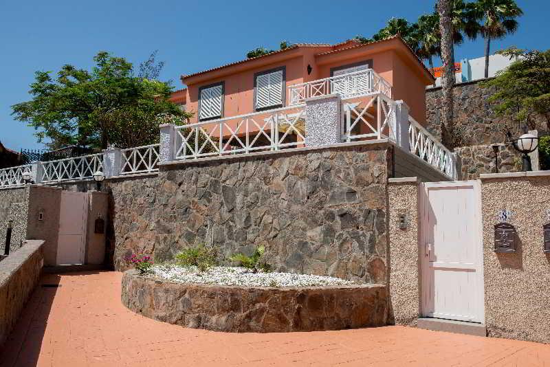 Hotel villas santa ana en playa del ingles gran canaria for Villas en gran canaria