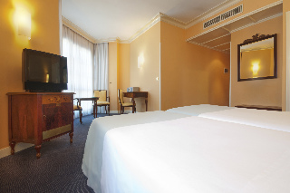 Viajes Ibiza - Hotel Arenal Bilbao