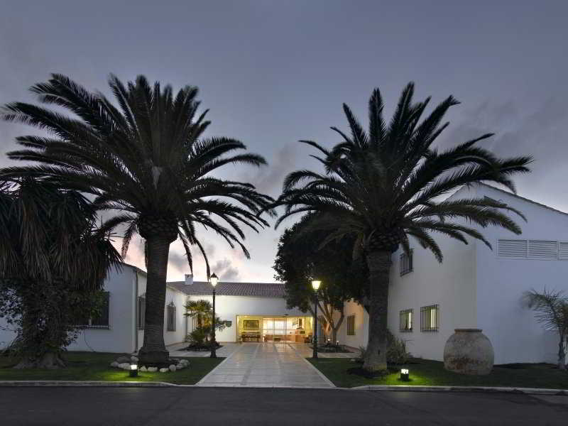 http://www.hotelbeds.com/giata/00/003112/003112a_hb_a_004.jpg