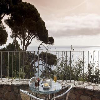 Hotel parador de aiguablava en begur for Piscinas naturales begur