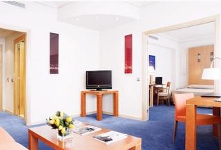 http://www.hotelbeds.com/giata/00/003510/003510a_hb_a_007.jpg