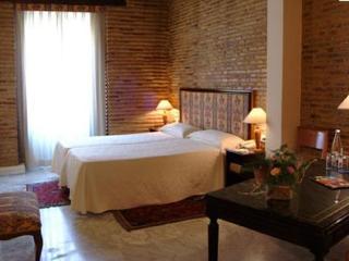 http://www.hotelbeds.com/giata/00/003582/003582a_hb_a_001.jpg