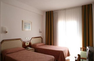 Hotel Costa Brava Blanes thumb-2