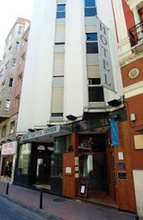 http://www.hotelbeds.com/giata/00/004401/004401a_hb_a_001.jpg