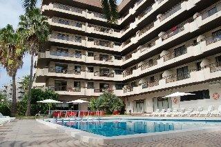 http://www.hotelbeds.com/giata/00/004842/004842a_hb_a_001.jpg