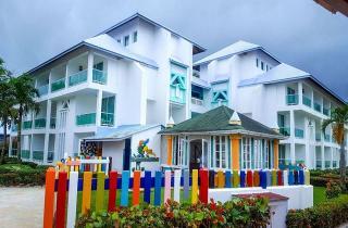 Resultado de imagen para Amhsa Grand Paradise Playa Dorada