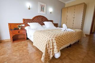 Playa Blanca - Hoteles en S'Illot
