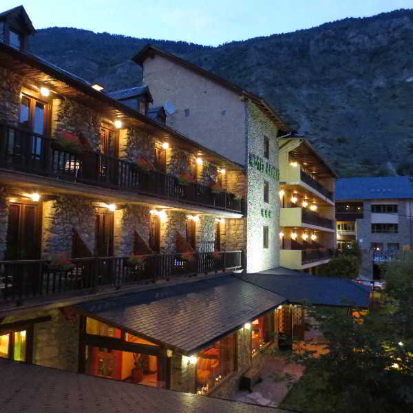hotel saurat en espot: