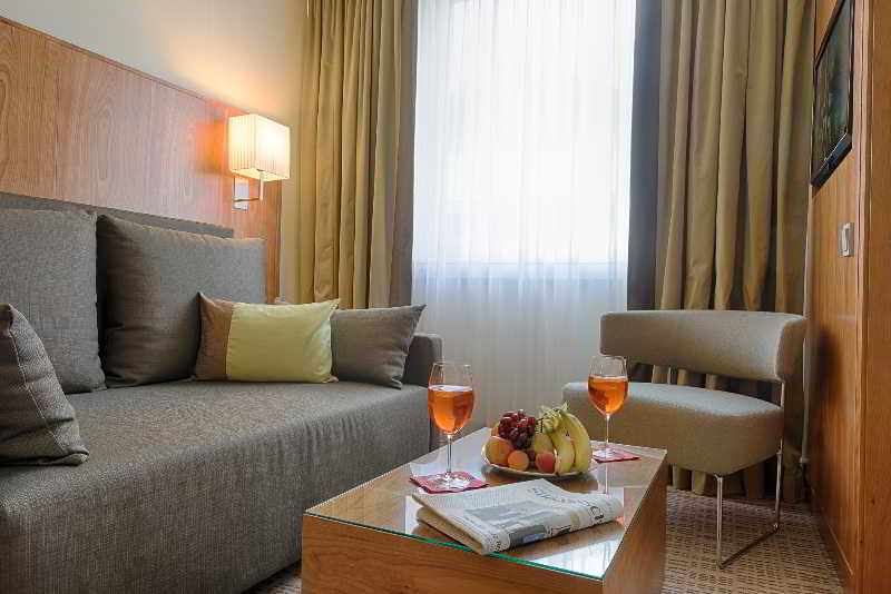 Kk Hotel Am Harras Munchen  Munchen