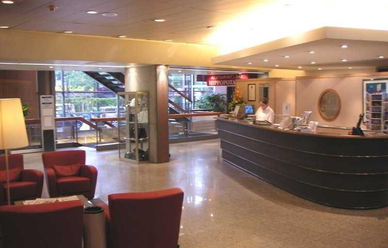 Hotel forest hill paris la villette paris compar dans 7 - Centre commercial porte de la villette ...