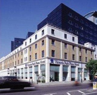 Hotel Park Plaza Victoria London