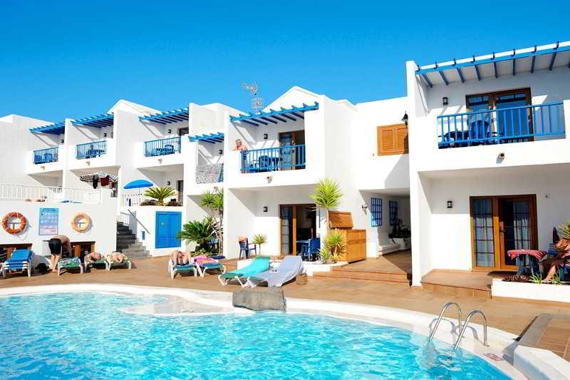 Cheap holidays to apartamentos isla de lobos puerto del - Apartamentos baratos en lanzarote puerto del carmen ...