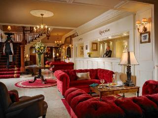 Killarney International Hotel