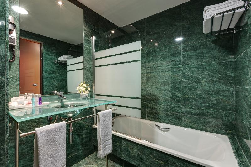 Precios y ofertas de hotel acevi villarroel en barcelona for Precios de hoteles en barcelona
