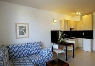Atenea Park-Suites - hoteles en Vilanova i la Geltrú
