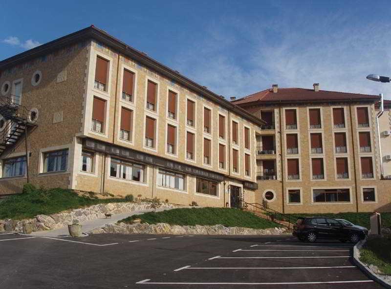 hotel Los Acebos de Arriondas en la población de Arriondas