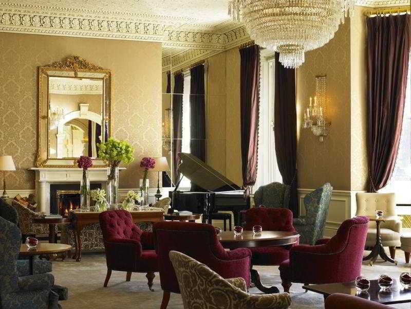 http://www.hotelbeds.com/giata/00/008882/008882a_hb_a_007.jpg