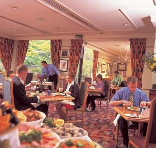 Hotel ramada hyde park en bayswater agencia de viajes eroski online - Hotel ramada londres ...