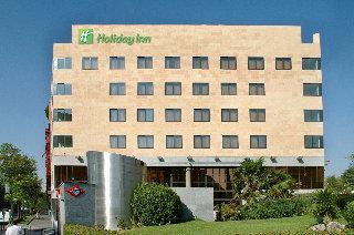http://www.hotelbeds.com/giata/00/009711/009711a_hb_a_001.jpg
