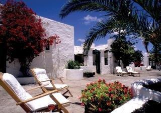 http://www.hotelbeds.com/giata/01/010121/010121_hb_a_001.jpg