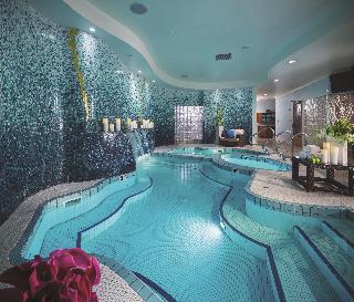 Luxor Hotel and Casino image 17
