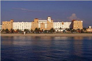 Ramada Hollywood Beach Resort