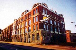 Days Hotel Savannah at Ellis Square
