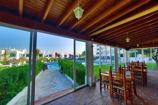 Apartamentos torrent bay by intercorp hotel group en bahia sant antoni san antonio bahia - Habitacion en roma torrent ...