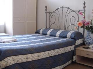 http://www.hotelbeds.com/giata/01/014080/014080a_hb_a_008.jpg