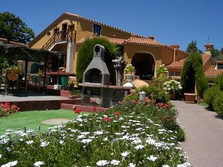 http://www.hotelbeds.com/giata/01/015844/015844a_hb_a_002.jpg