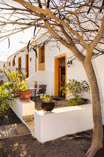Viajes Ibiza - Casa Lola y Juan