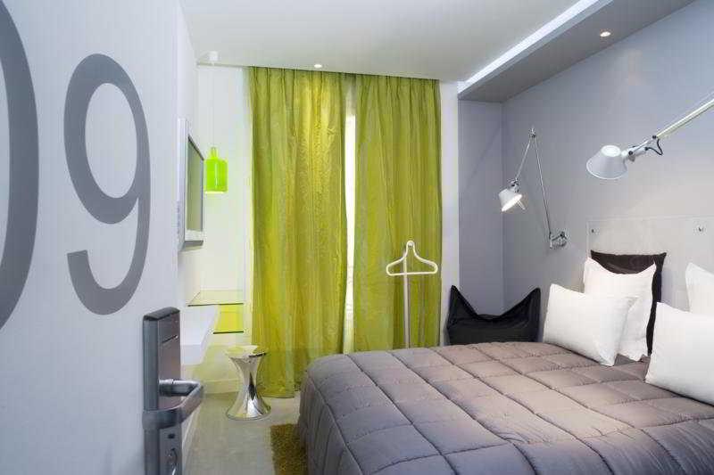 Color design hotel paris instant reservation for Color design hotel paris