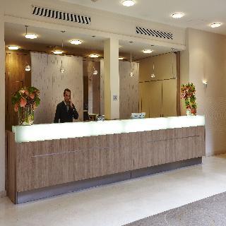 http://www.hotelbeds.com/giata/01/017762/017762a_hb_l_001.jpg