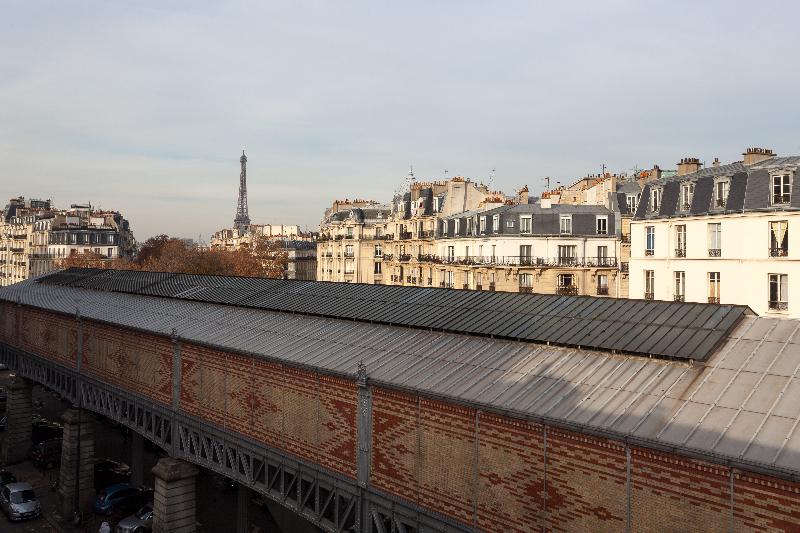 Vic Eiffel