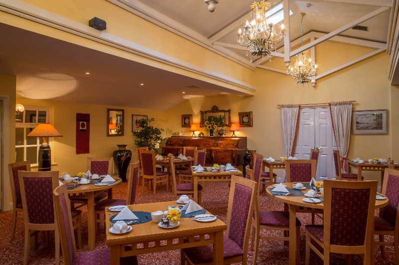 Viajes Ibiza - Dingle Benners Hotel