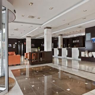 http://www.hotelbeds.com/giata/01/019561/019561a_hb_l_003.jpg