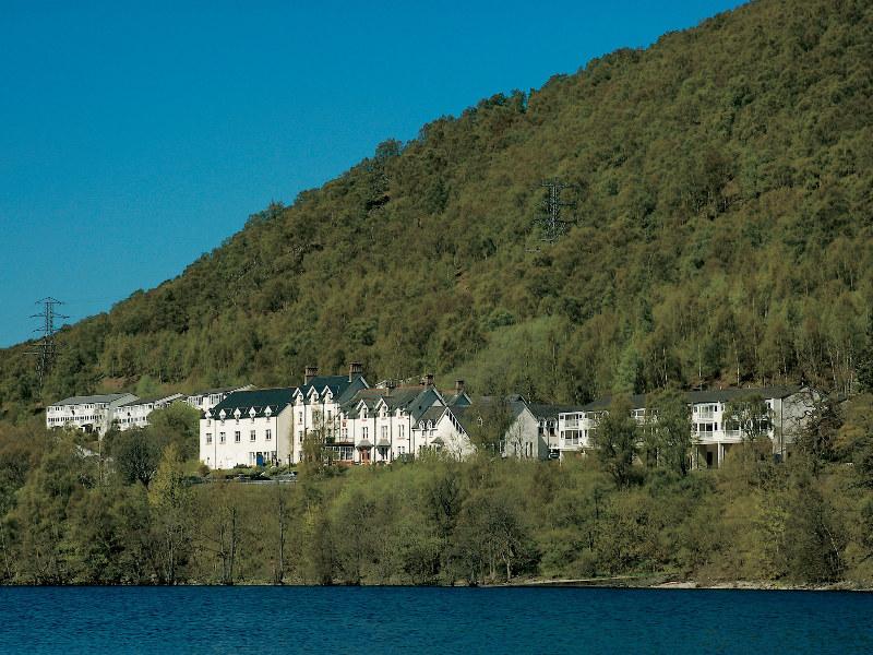 hotel alojamiento noya: