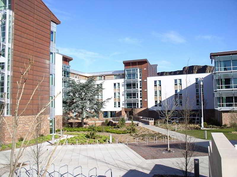Hotel Chancellors Court-Serviced University Accom