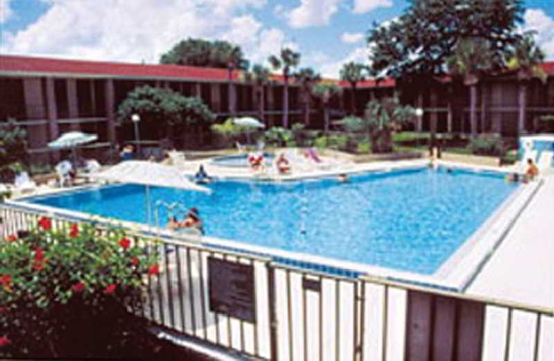 Hotel Days Inn Orlando Maingate to Universal