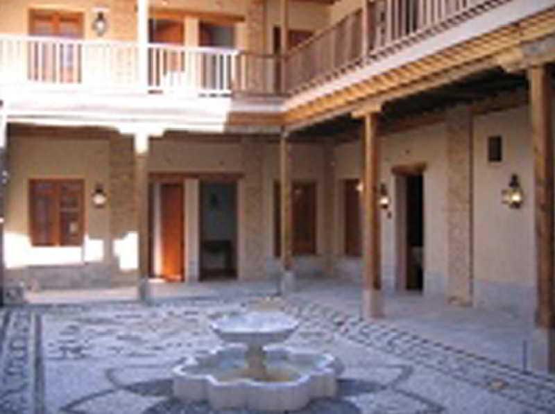 http://www.hotelbeds.com/giata/02/027677/027677a_hb_a_005.jpg