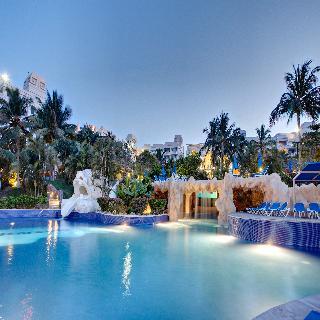 Hotel barcelo karmina all inclusive en manzanillo pueblo for Barcelo jardin mar