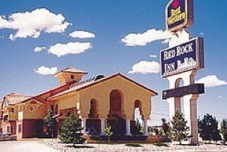 Days Inn & Suites by Wyndham Red Rock-Gallup
